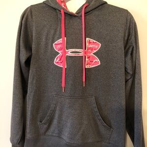 Size M Under Armour Storm hoodie